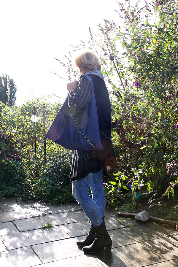 triangular_bag_03